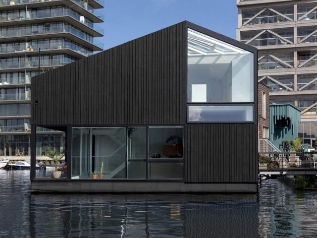 Une maison flottante au design optimisé