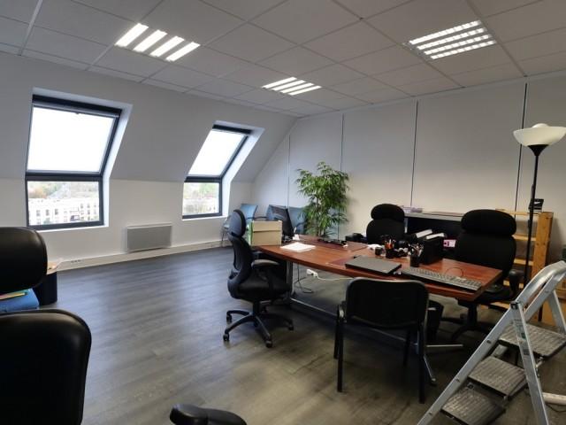Avant : 176 m2 de bureaux à transformer