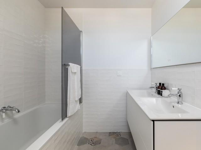 Des salles de bains épurées