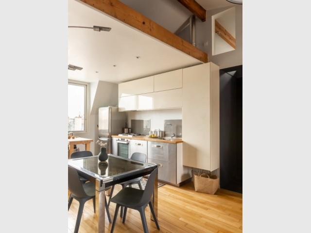 Une cuisine ouverte sur la pièce à vivre
