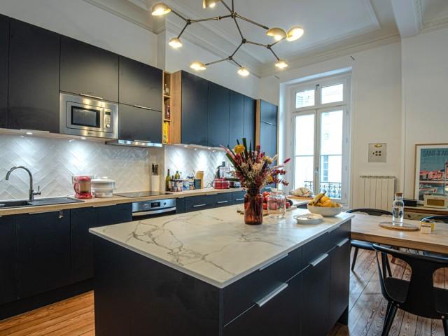 Une cuisine désormais ouverte sur la pièce à vivre
