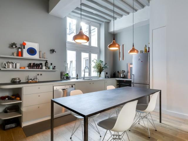 Une élégante cuisine ouverte