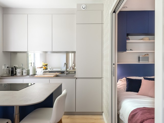 Une cuisine intégrée à la pièce à vivre