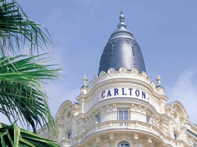 Le mobilier du célèbre hôtel Carlton à Cannes vendu aux enchères