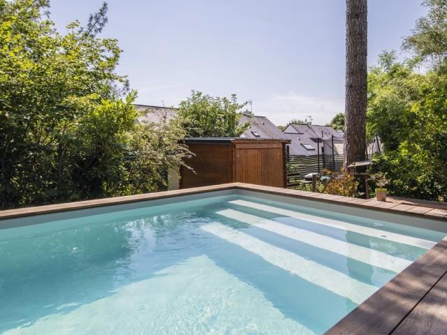 Une piscine conviviale pensée pour la détente