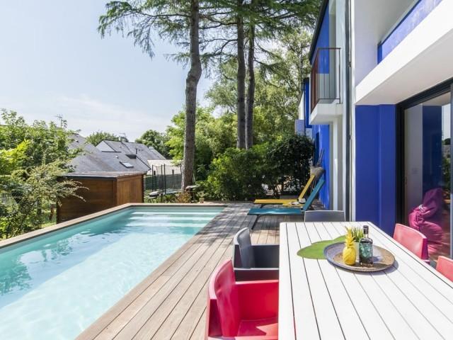 Une chaleureuse terrasse en bois
