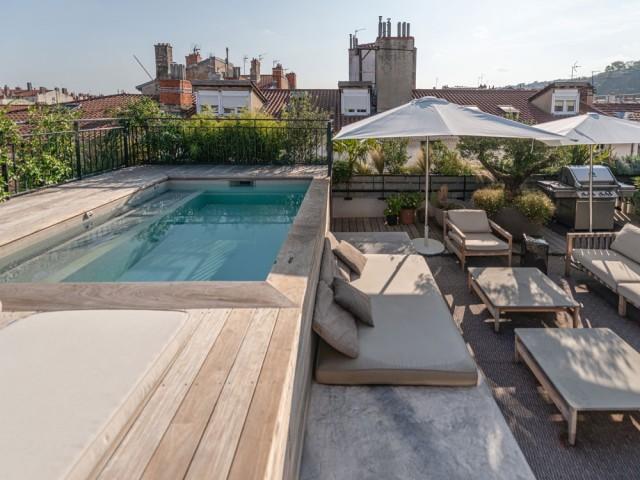 Une mini piscine en rooftop
