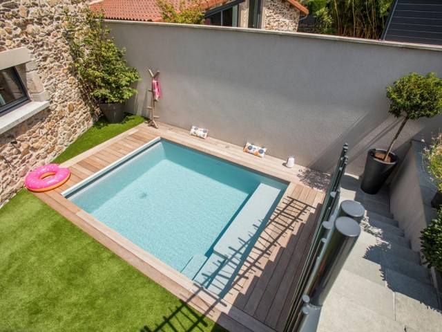 Mini piscine pour mini jardin