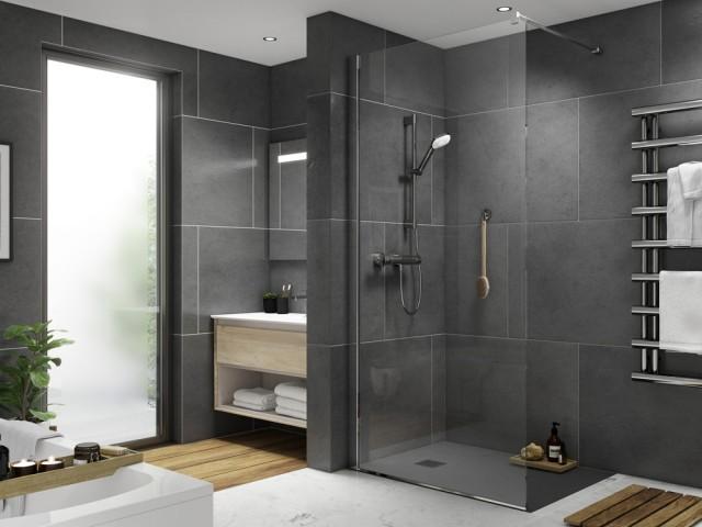 Une salle de bains à l'esprit pratique