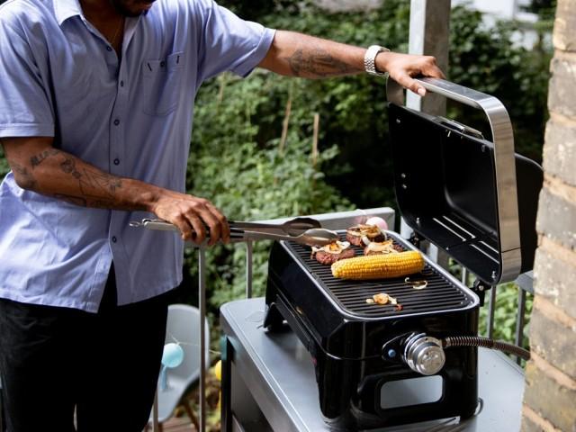 Barbecue Attitude 2go R, Campingaz, prix : 199,90 €