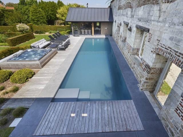 Après : une piscine deux fois plus grande