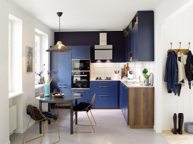 Une élégante cuisine bleue