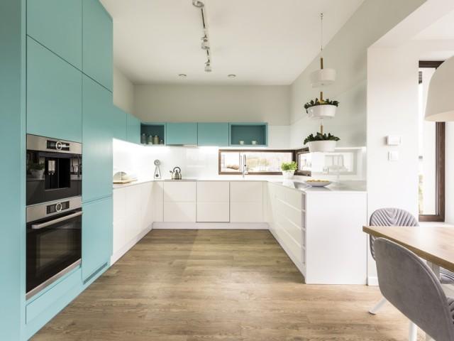 Une touche de turquoise dans la cuisine