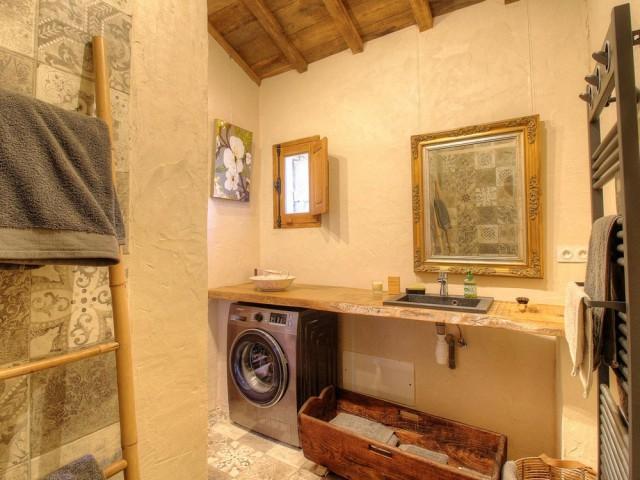 Une élégante salle de bains