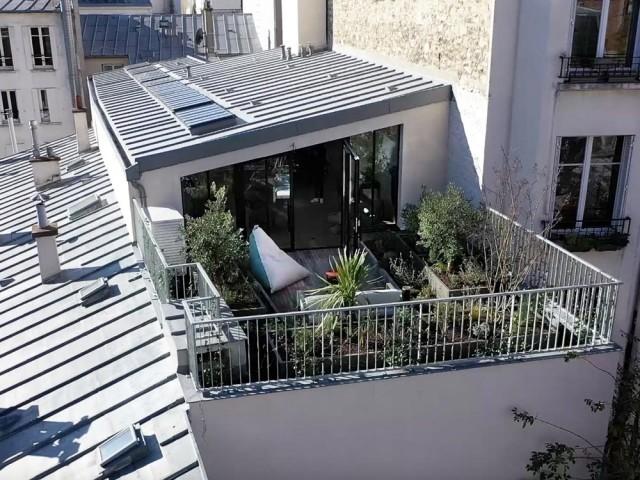Terrasse végétalisée pour cet ancien atelier transformé en loft