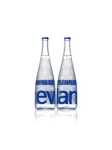 Bouteille Evian®, collection Prêt-à-Porter.
