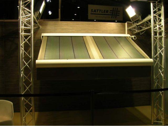 Présenté au salon de Stuttgart à la mi-février, le store photovoltaïque devrait être commercialisé dès 2010.