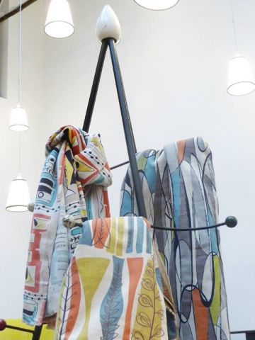 tissus les ann es 50 chez caravane. Black Bedroom Furniture Sets. Home Design Ideas