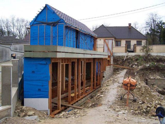 La maison sera composée de deux bâtiments distincts, le premier dédié aux pièces de jour et le deuxième aux pièces de nuit.