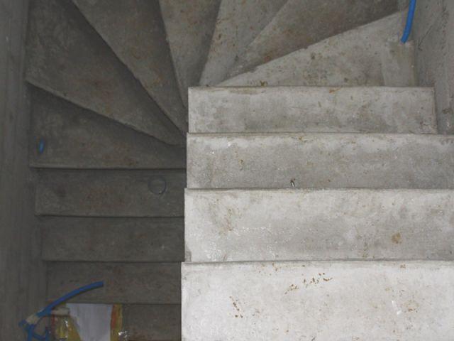 Construction d 39 un escalier b ton for Fabrication escalier beton interieur