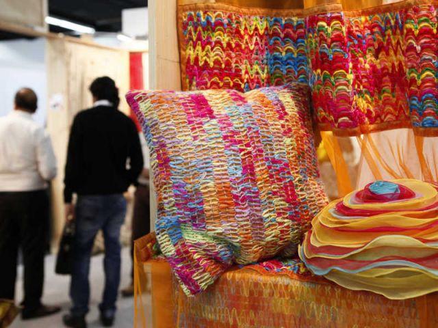tissus d 39 ameublement les tendances 2011 2012. Black Bedroom Furniture Sets. Home Design Ideas
