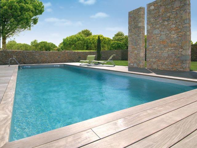 Une piscine enterr e en 5 jours for Acheter une piscine enterree