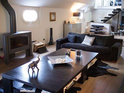 vivre sur une peniche pniche pices m paris me jpg jpg pniche avec terrasse vivre sur une. Black Bedroom Furniture Sets. Home Design Ideas