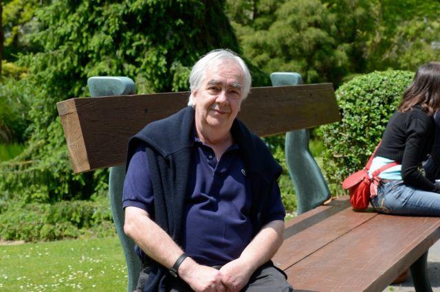 Claude Ponti, sur son banc géant