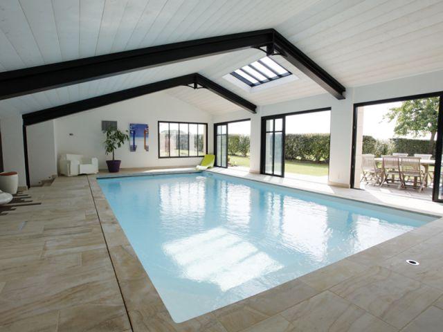 Une piscine haut degr d 39 exigence for Piscine bois interieur