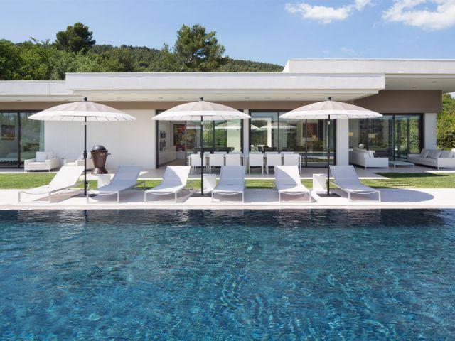Maison d 39 architecte une villa moderne aux vues for Plan d architecture villa moderne