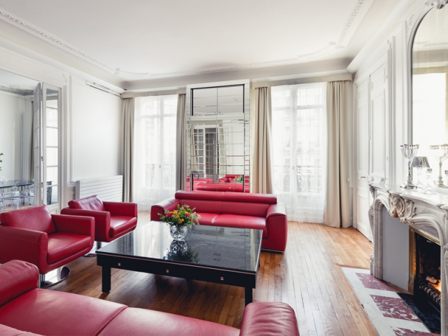1 haussmannien aux 0 reflets. Black Bedroom Furniture Sets. Home Design Ideas