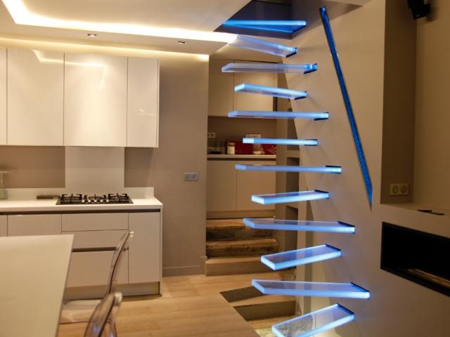 Crer Un Escalier  Un Modle Futuriste En Lvitation