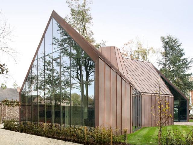 quand cuivre et effet miroir r inventent le pavillon. Black Bedroom Furniture Sets. Home Design Ideas