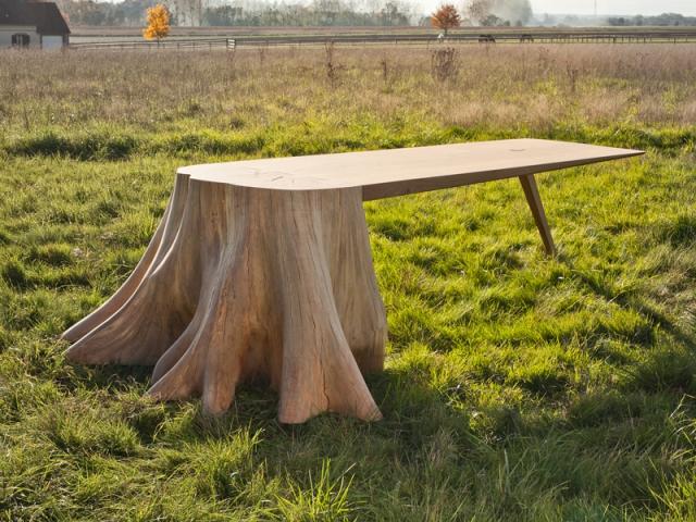 Insolite Une Table Qui Prend Racine