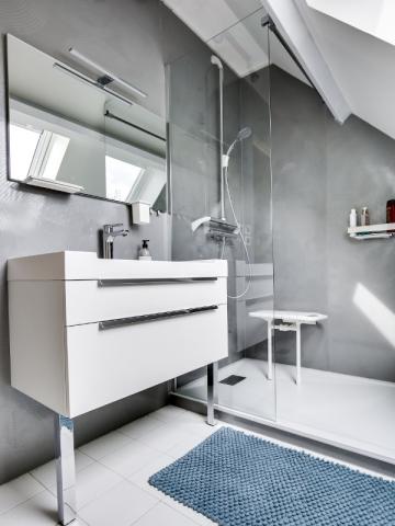 remplacer sa baignoire par une douche en 1 journ e c 39 est possible. Black Bedroom Furniture Sets. Home Design Ideas