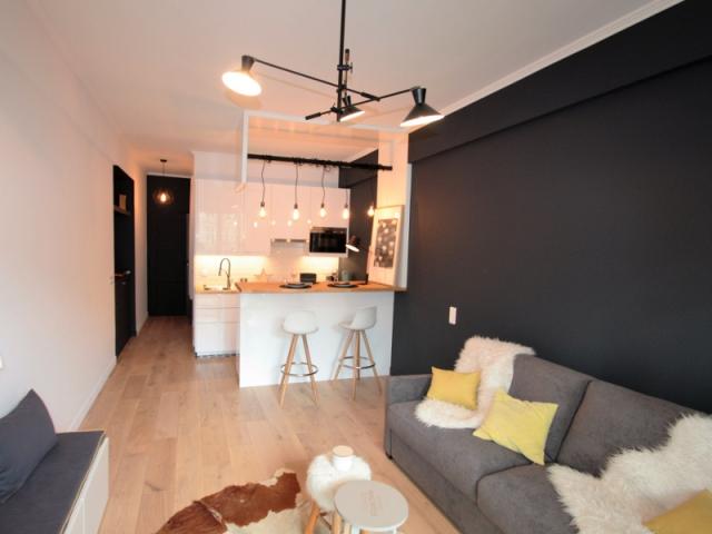 avant apr s une ancienne chambre d 39 h tel se transforme en studio de 27 m2. Black Bedroom Furniture Sets. Home Design Ideas