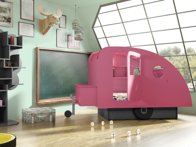 Lit cabane façon caravane
