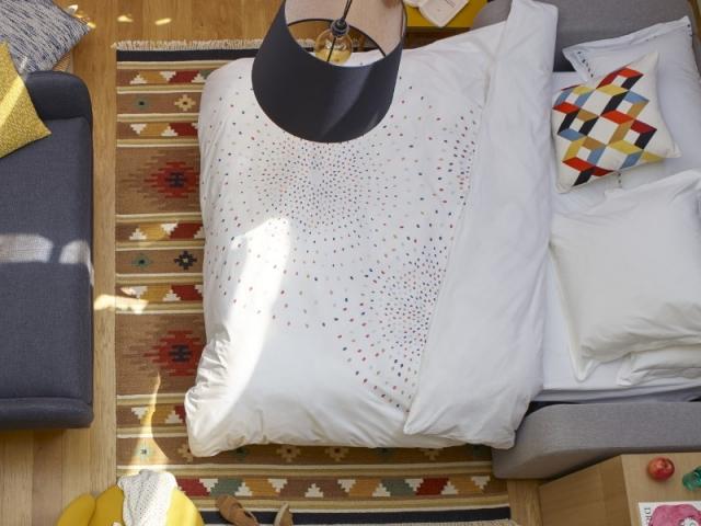 Un tapis aux motifs géométriques