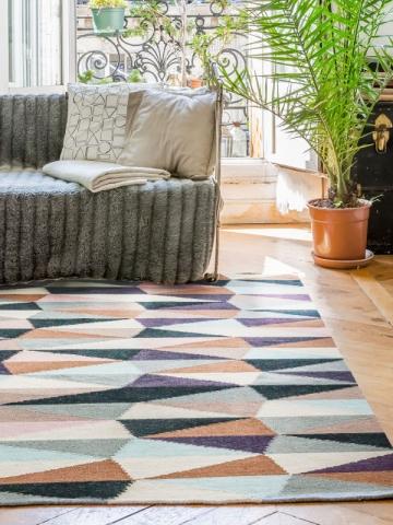 Un tapis mosaïque pour un salon cocon