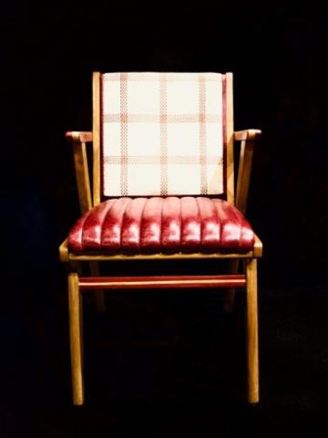 """La gamme """"DS Eccentric"""" compte six fauteuils"""