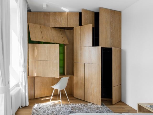 Coin bureau un meuble de rangement aux portes for Meuble bureau coin