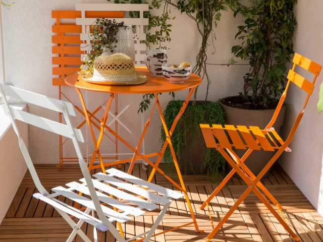 Salon de jardin Flore orange 89 €