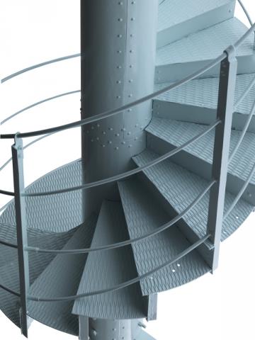 Ce tronçon d'escalier de la Tour Eiffel, en fer forgé boulonné, est estimé entre 40 et 60.000 €