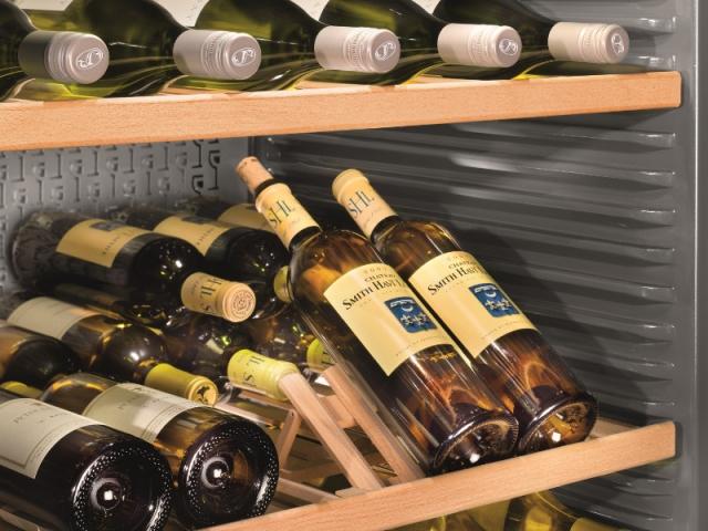 Des accessoires pour une cave à vin efficace