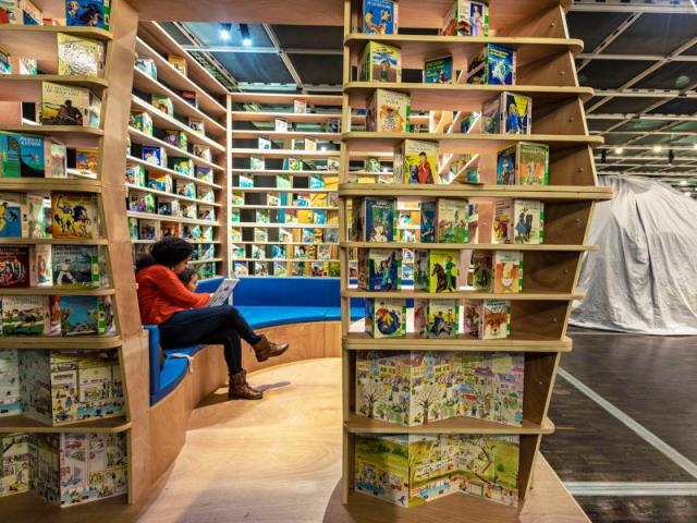 La liseuse, une cabane façon bibliothèque pour les grands enfants