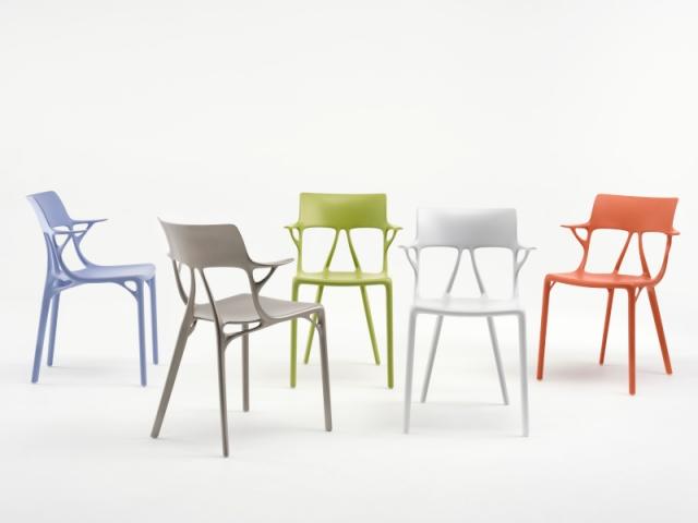 Les coloris de la chaise A.I., conçue en collaboration par Kartell, Philippe Starck et Autodesk