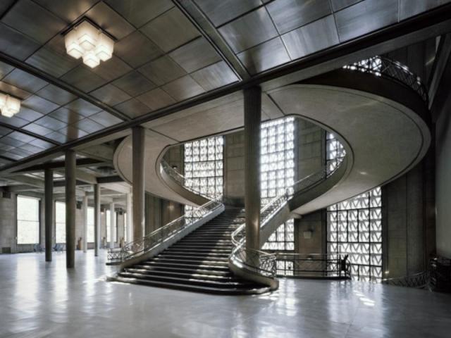 L'escalier monumental du CESE, par Auguste Perret