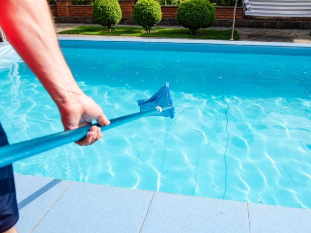 Nettoyer sa piscine avant de la réutiliser