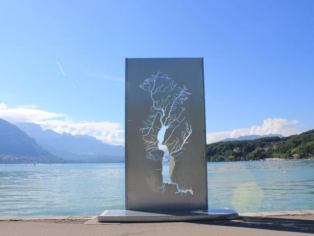 Échappée, de Sylvie de Meurville (France), œuvre pérennisée créée pour Annecy Paysages