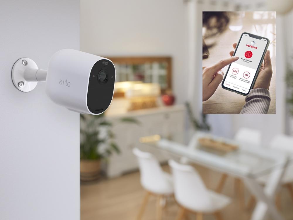 Caméra Arlo Essential Spotlight Indoor